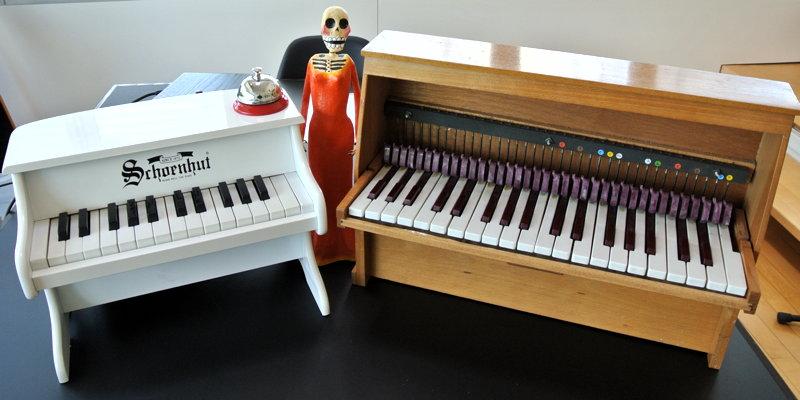 Setup toy pianos